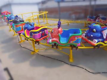 太空穿梭赶庙会移动拆装方便的儿童游乐设备